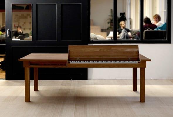 2010 tablepiano 01