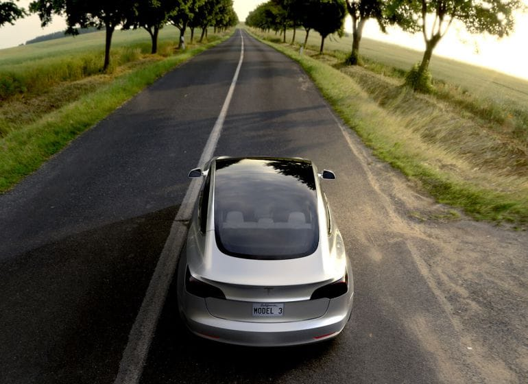 Tesla-model-3-03