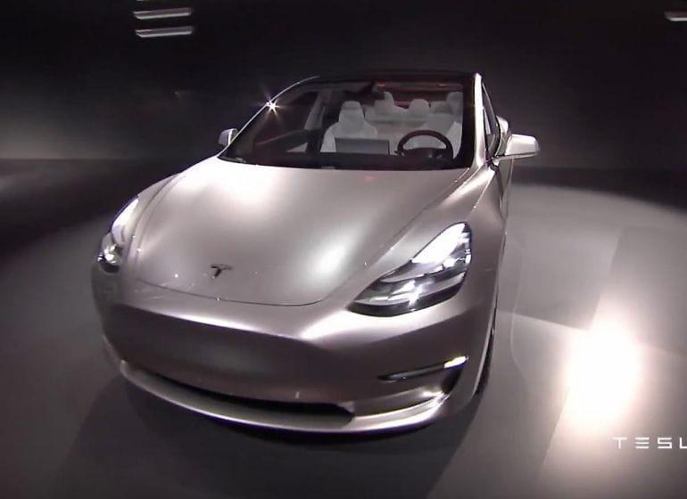 Tesla-model3-reveal-11